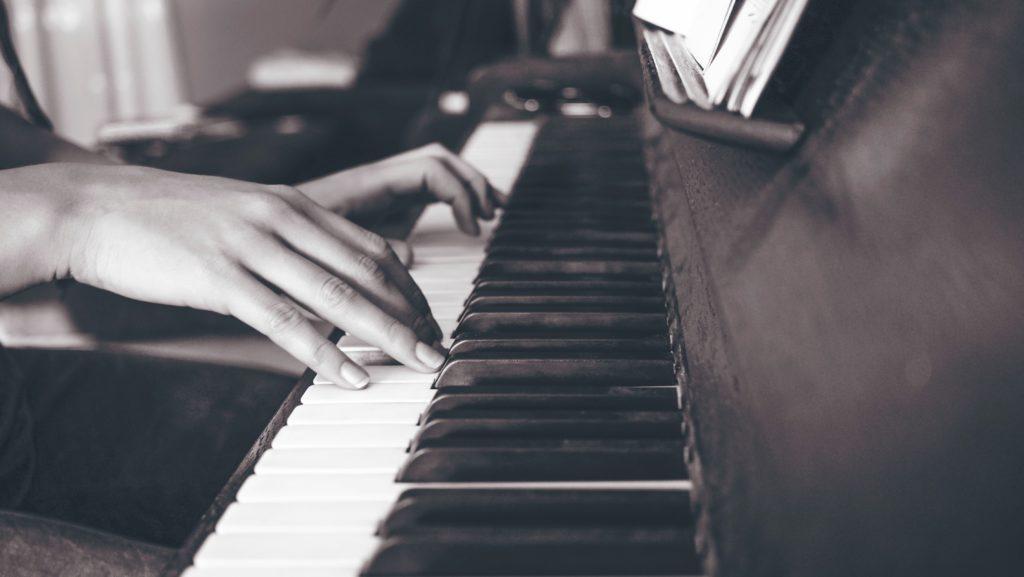 【ピアノ楽譜】指番号つきを無料で探す方法と指番号のつけ方