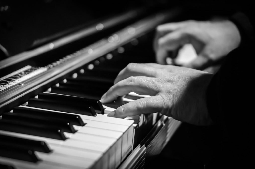 ピアノを弾くなら爪は短く!意外と知らない正しい爪の処理の仕方