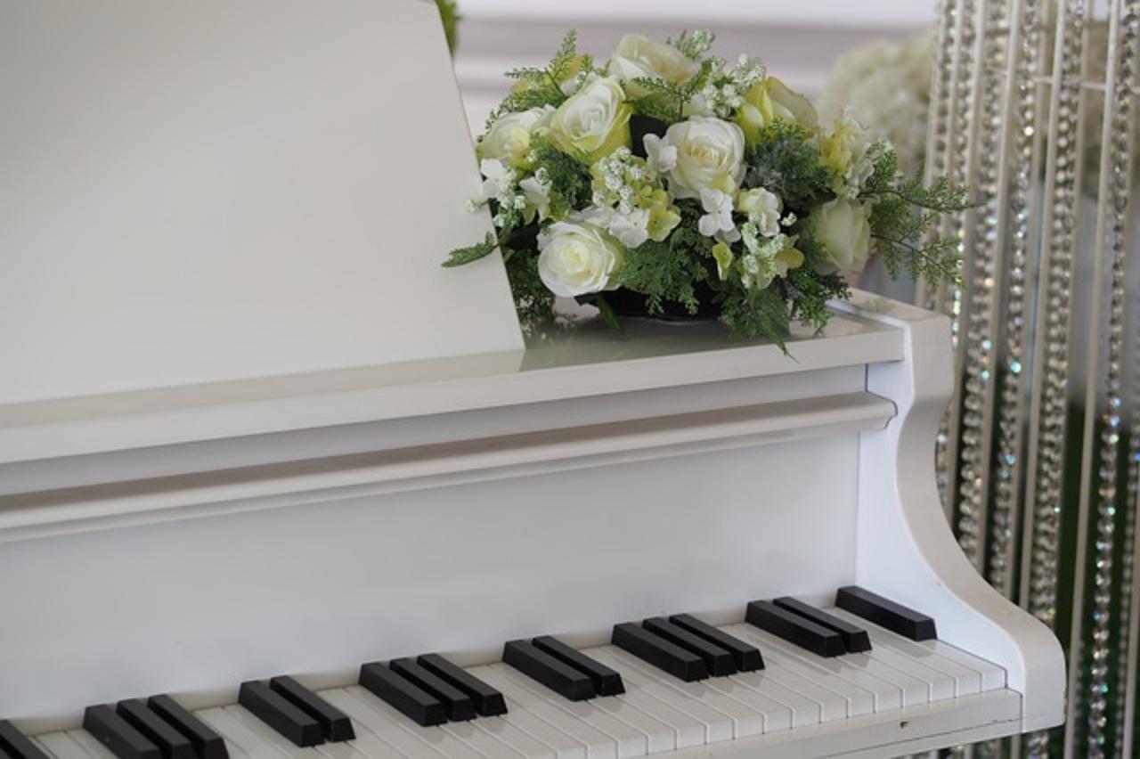 結婚式余興ピアノ