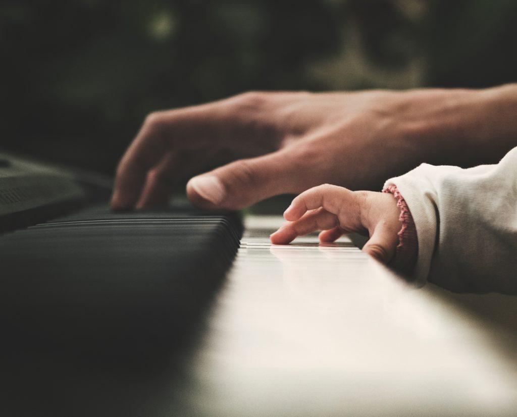 ピアノ初心者は何から用意したらいい?練習方法は?徹底解説‼︎