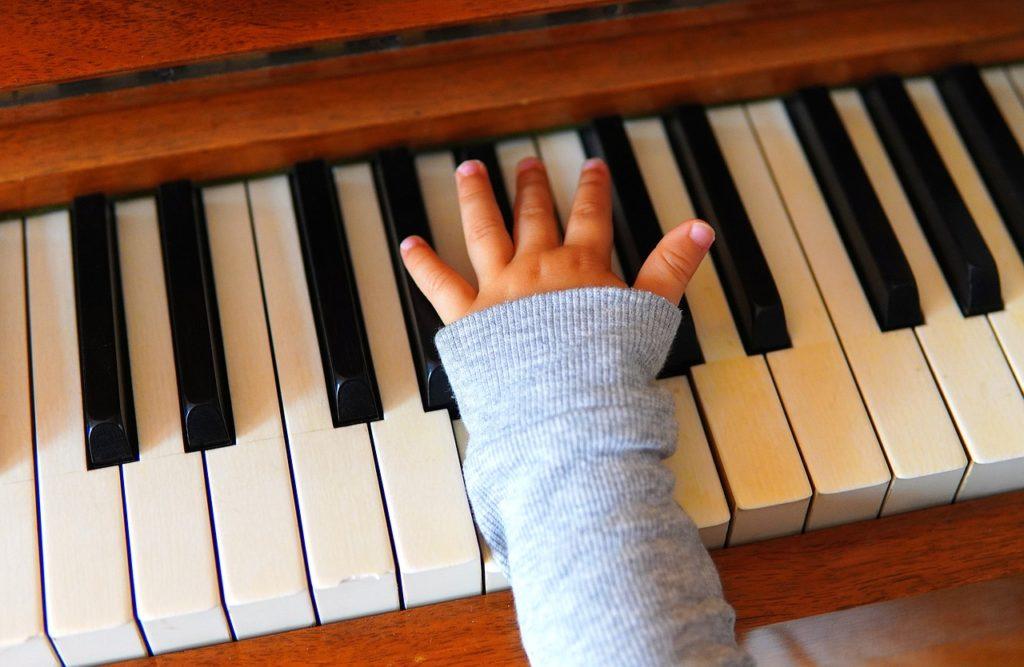 ピアノの練習は何時まで大丈夫?ご近所迷惑にならない為には
