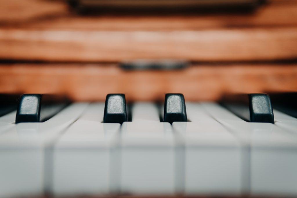 ヤマハピアノ教室【大人のピアノレッスン】の料金は?徹底深堀!