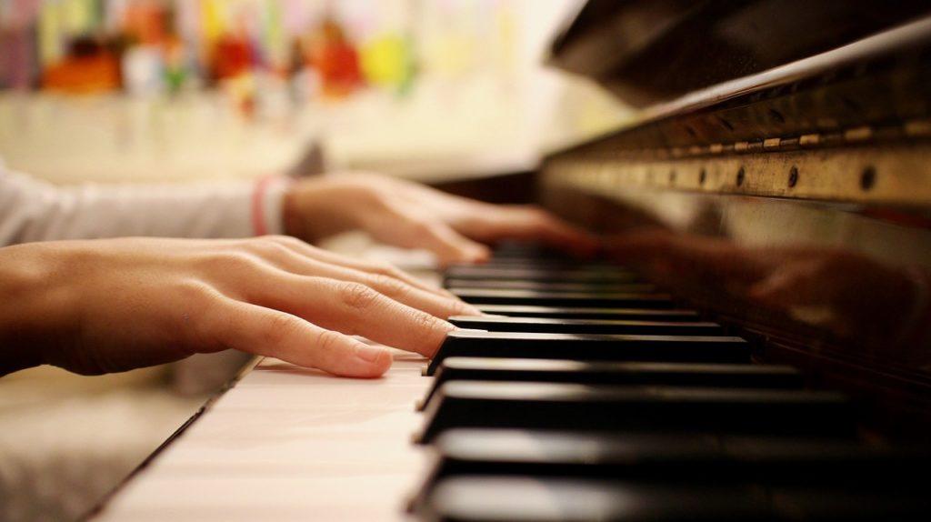 【ピアノ教室の探し方】自分に合った個人の先生に習いたい!