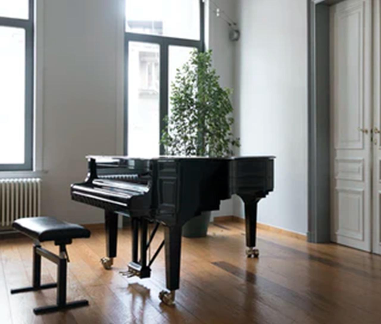 グランドピアノの画像です