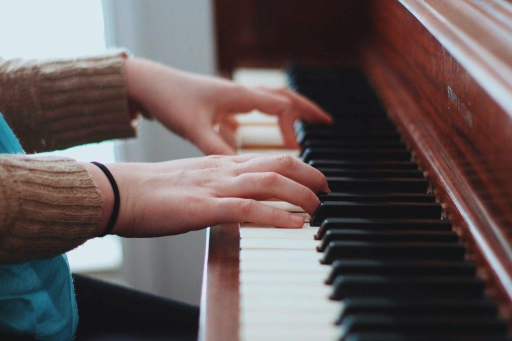 ピアノ練習で指が動かないのはなぜ?今日から改善できる練習方法