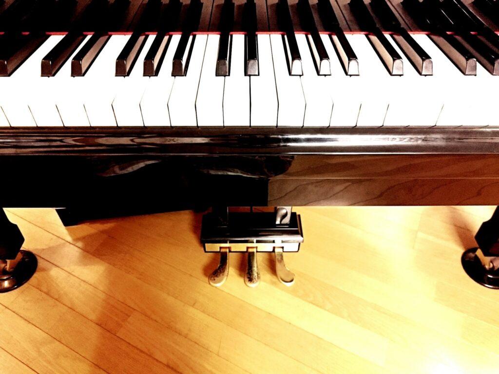 ピアノのペダルは使ってる??ペダルを使って演奏表現を増やそう!!